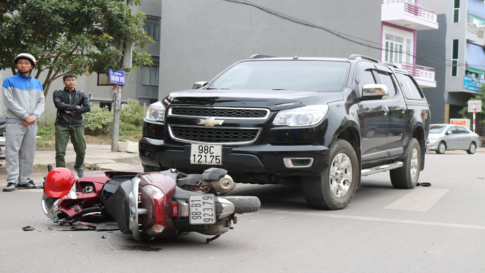 TP Bắc Giang: Tai nạn giao thông trên đường Trần Đăng Tuyển, một người phải nhập viện