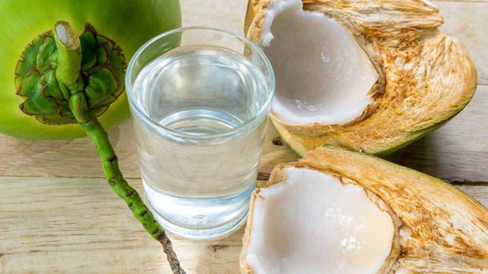 Những lợi ích không ngờ của việc uống nước dừa hàng ngày