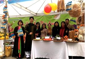 Hai gian hàng tham gia Liên hoan Ẩm thực Quốc tế năm 2017