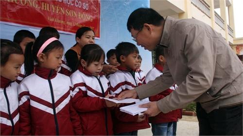 Phó Chủ tịch UBND tỉnh Lê Ánh Dương: Quan tâm nâng cao đời sống người dân các xã đặc biệt khó khăn