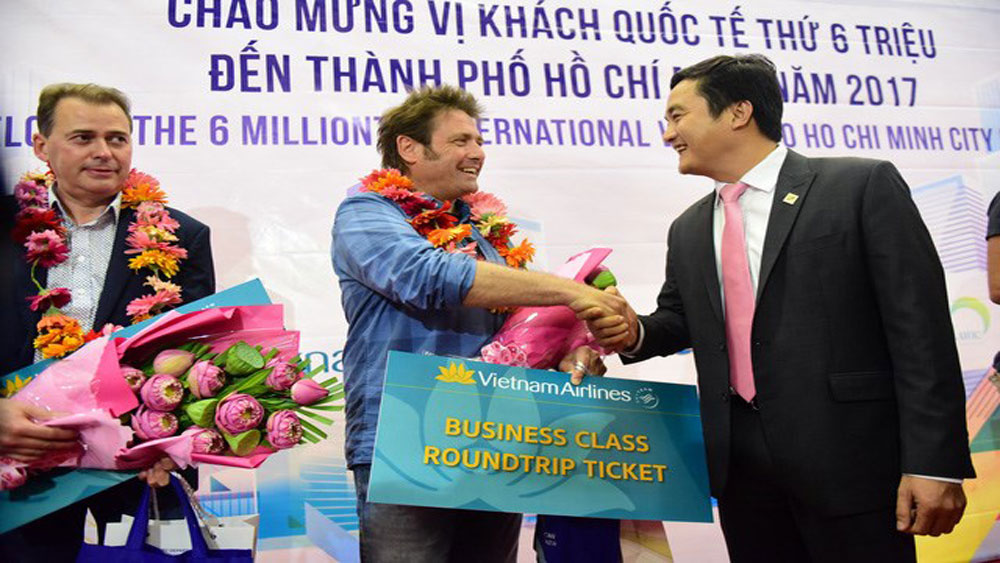 HCM City welcomes six millionth int'l visitor in 2017