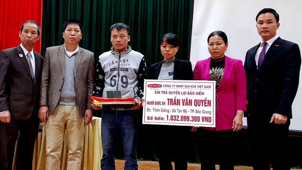 Công ty BHNT Dai-ichi Life Việt Nam: Chi trả quyền lợi cho khách hàng tại TP Bắc Giang