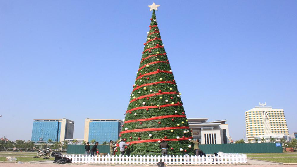 Những cây thông Noel độc đáo ở Việt Nam
