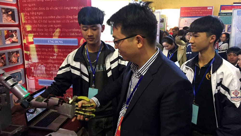11 sản phẩm giành giải Nhất Cuộc thi sáng tạo khoa học kỹ thuật cấp trung học năm học 2017-2018