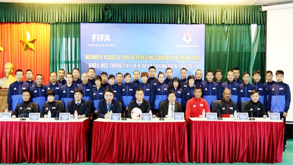 FIFA lecturers help to improve profession for Vietnamese referees