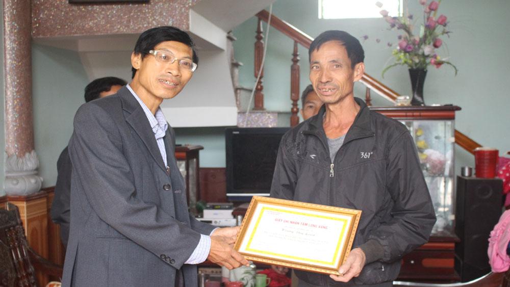 Thôn Voi (xã Quỳnh Sơn): 100% số hộ đồng thuận đóng góp mở rộng đường thôn