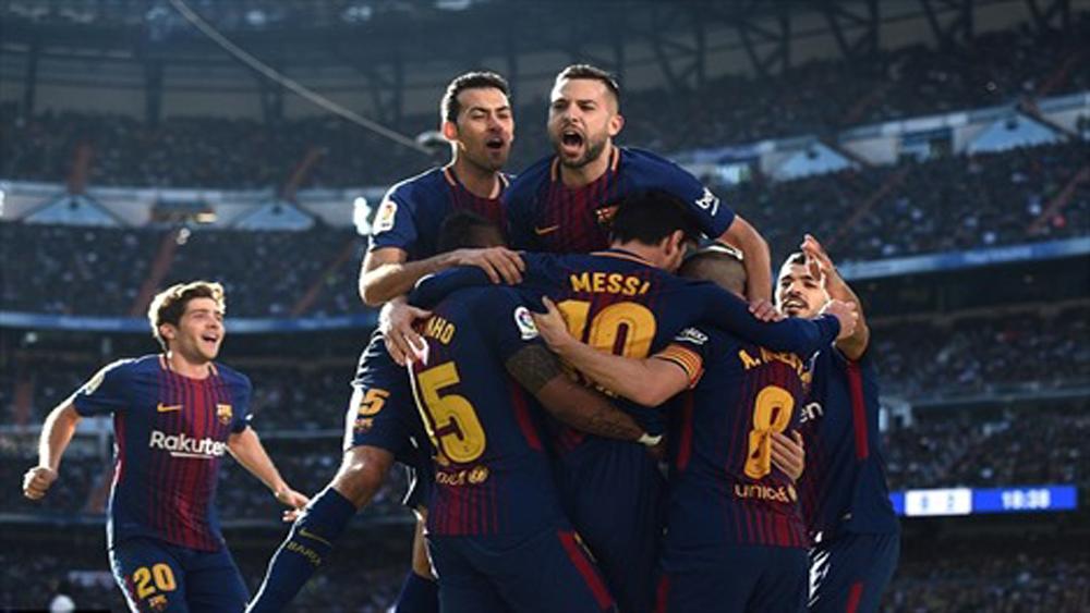 """Barca đánh sập Real ngay tại """"thánh địa"""" Bernabeu"""