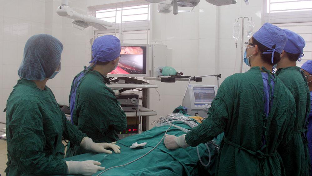 Bệnh viện Ung bướu tỉnh triển khai nhiều kỹ thuật chuyên sâu.