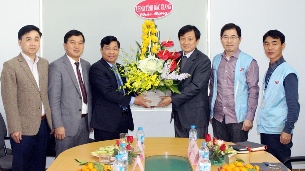 Bac Giang's leader sends Tet greetings to FDI enterprises
