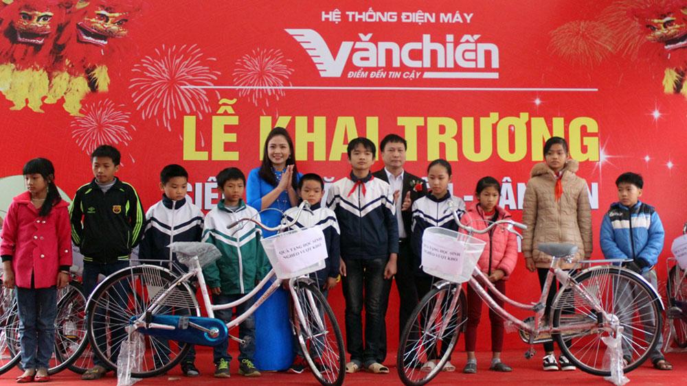 Khai trương siêu thị điện máy Văn Chiến tại huyện Tân Yên