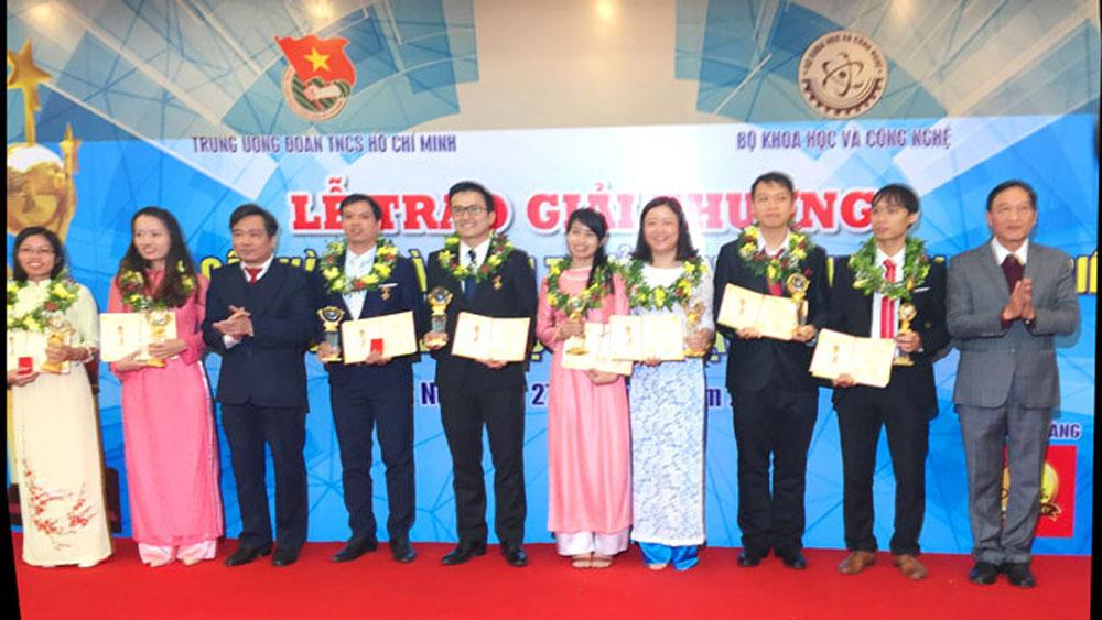 9 tài năng trẻ được nhận giải thưởng Quả cầu vàng