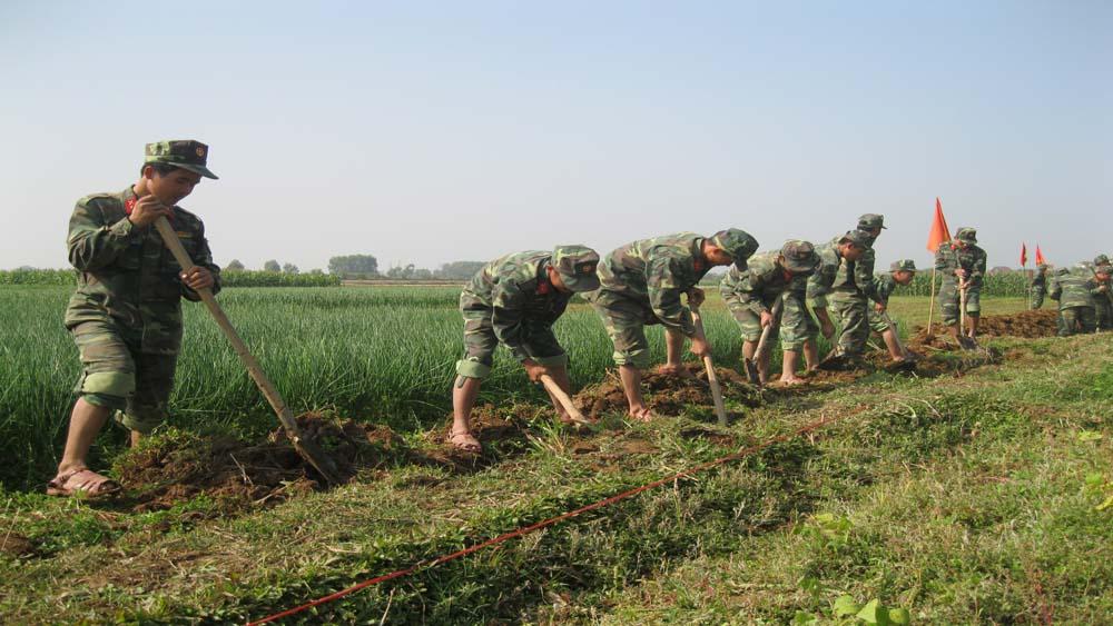 Gần 100 cán bộ, chiến sĩ Sư đoàn 3 hành quân dã ngoại làm công tác dân vận tại Lạng Giang