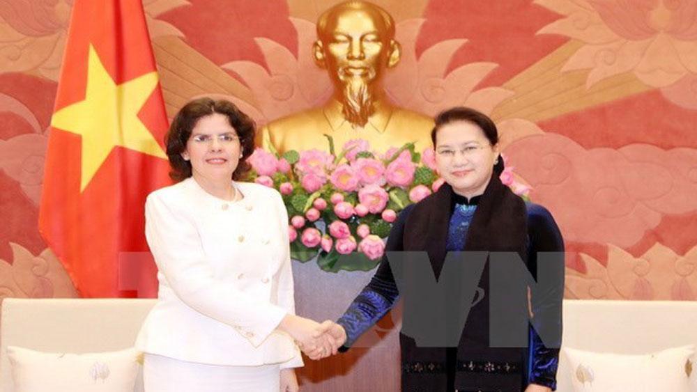 Top legislator hosts new Cuban, Spanish Ambassadors