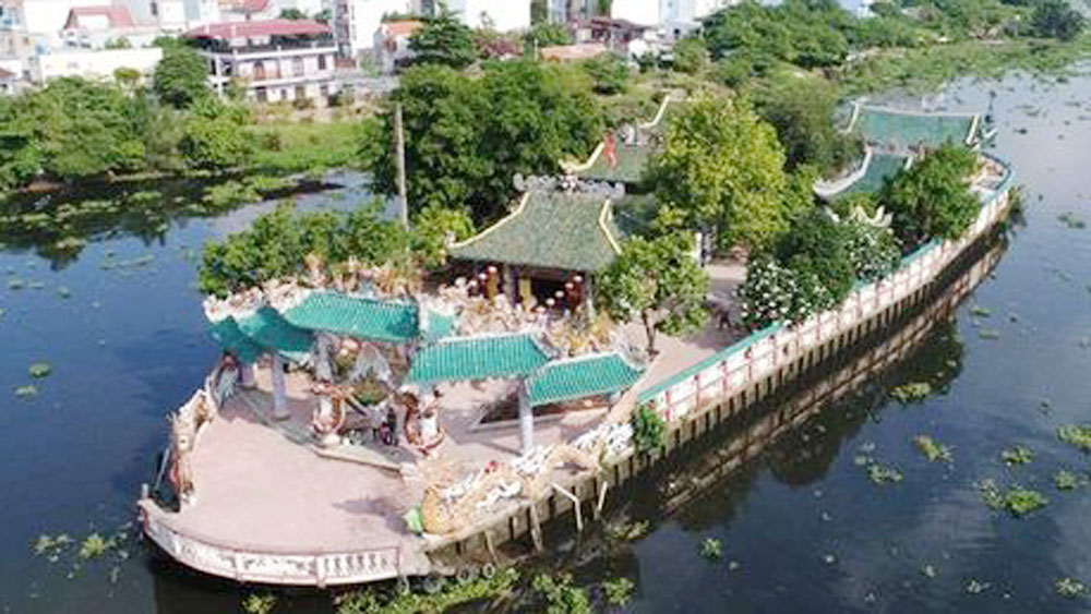 The story of Saigon's 'floating temple'