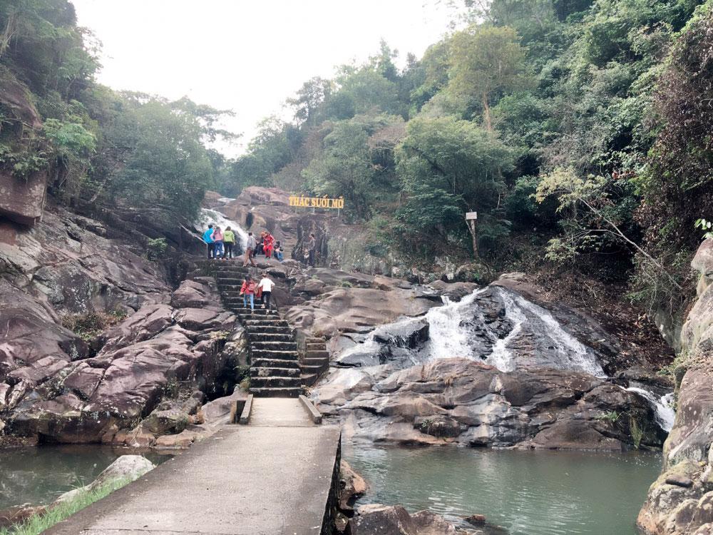Bắc Giang,  Nghỉ Tết dương lịch,  Khu vui chơi,  hút khách