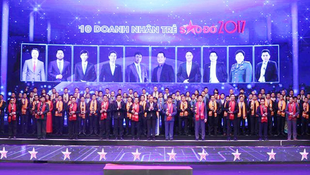 Young Vietnamese entrepreneurs honoured with Red Star Awards
