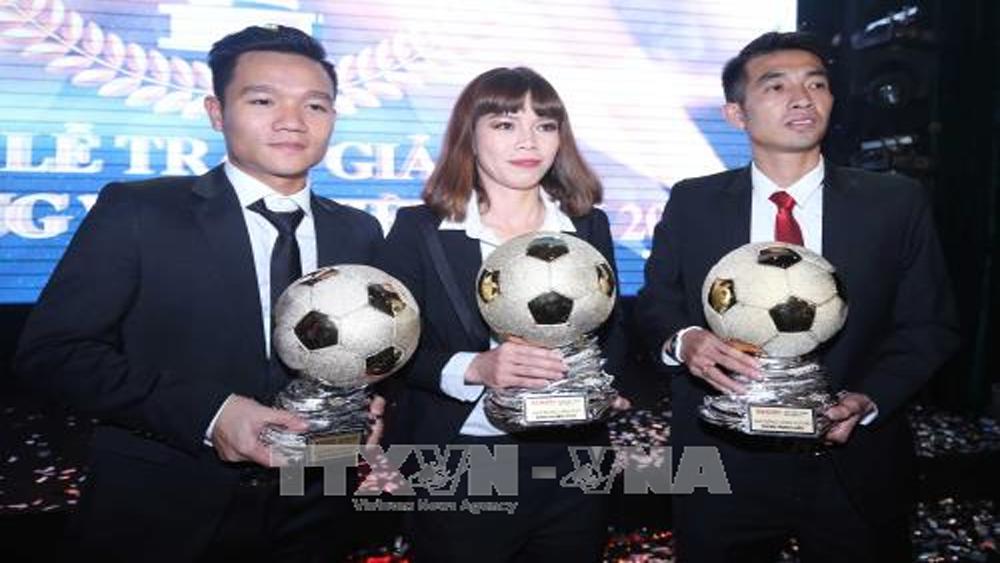 Cầu thủ Đinh Thanh Trung đoạt danh hiệu Quả bóng Vàng Việt Nam năm 2017