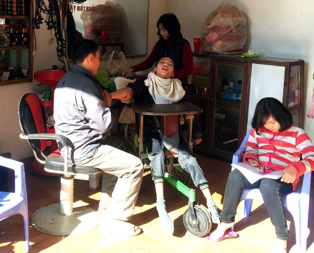 Xã Tân Dĩnh, Lạng Giang, chưa thấu đáo, xem xét, xác định hộ nghèo