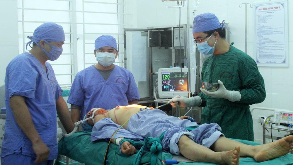 Bệnh viện Ung bướu tỉnh: Chuyển giao nhiều kỹ thuật chuyên sâu