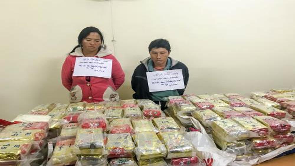 Bắt 2 đối tượng vận chuyển 489 bánh heroin, trị giá 3 triệu USD