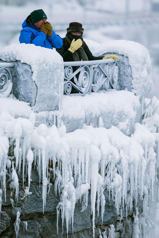 Thác nước, đẹp nhất, thế giới, đóng băng, cái lạnh -67 độ C