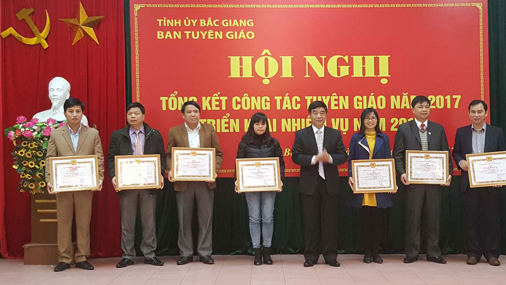 """Cuộc thi """"Tìm hiểu lịch sử quan hệ đặc biệt Việt Nam - Lào"""": Đợt sinh hoạt chính trị sâu rộng"""