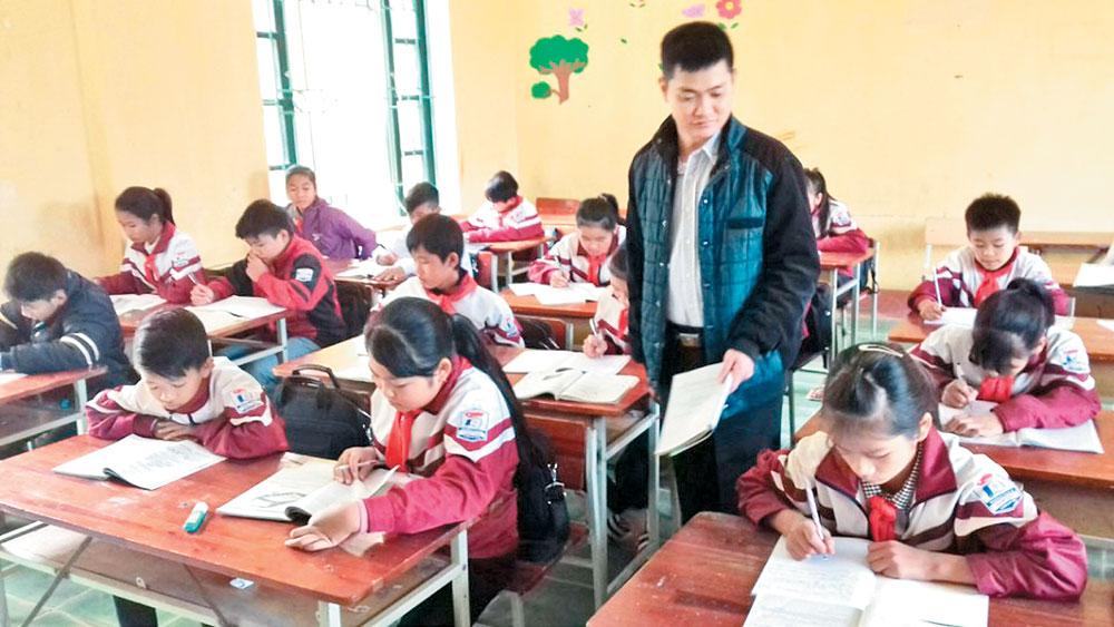 Thầy giáo Nguyễn Hùng Hồng: Vượt lên số phận