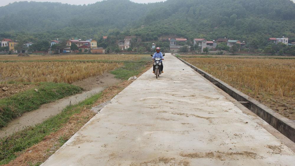 Thôn Núi Ô: 100% đường trục thôn được cứng hóa