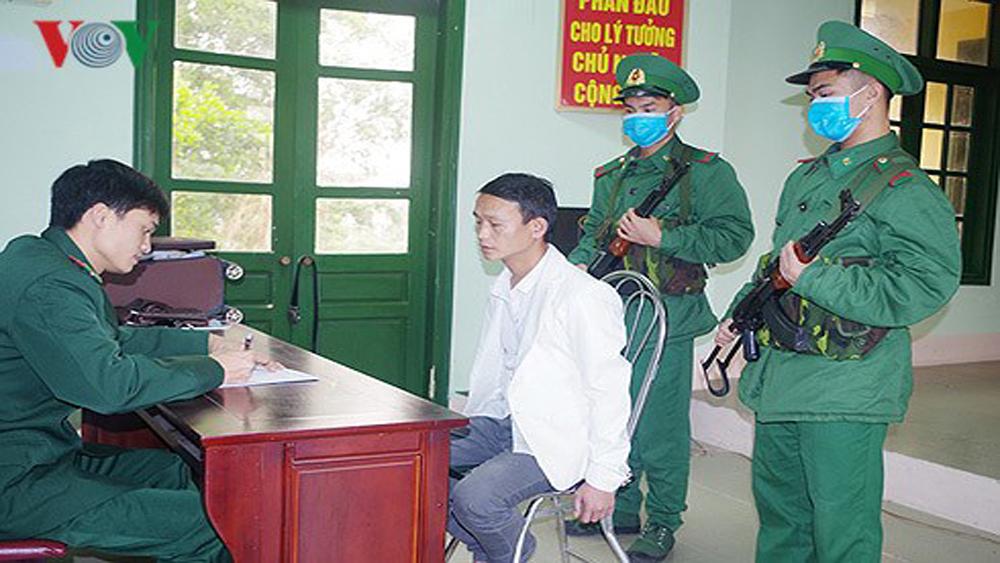 Bắt đối tượng vận chuyển 20 bánh heroin từ Việt Nam sang Trung Quốc
