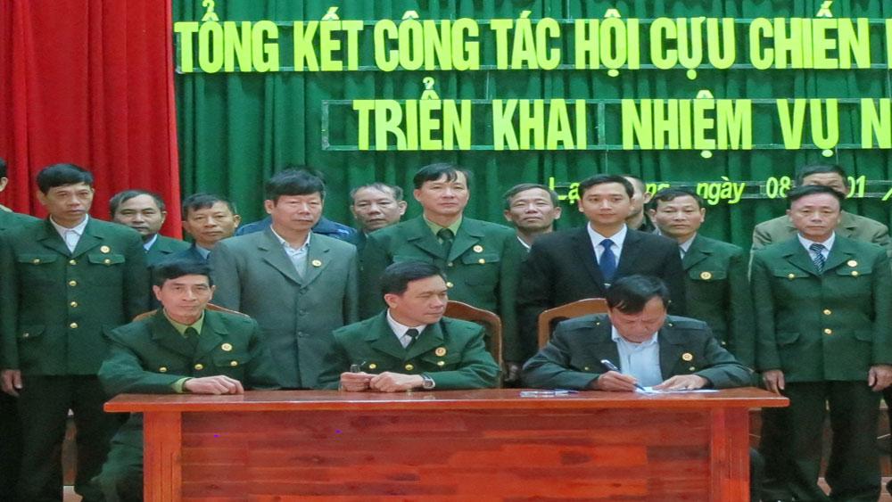Hội Cựu Chiến binh huyện Lạng Giang nhận Cờ thi đua xuất sắc của T.Ư Hội
