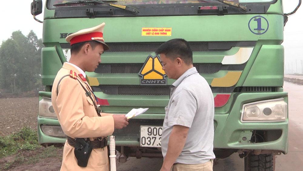 Công an Yên Dũng tăng cường lực lượng bảo đảm an toàn dịp Tết