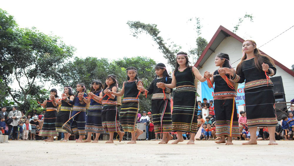 Sedang people celebrate New Rice Festival