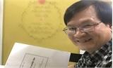 Nhà văn Nguyễn Nhật Ánh ký tặng sách tại phố sách Hà Nội