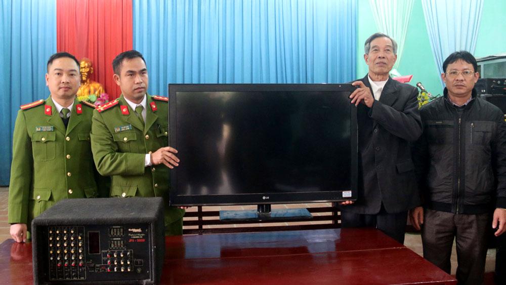 Công an TP Bắc Giang trao trả tài sản bị đánh cắp