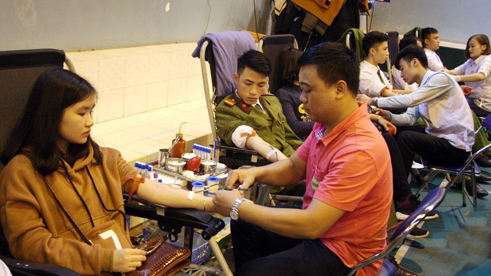 Vận động , Thành lập,  Đội hiến máu,  dự phòng,  dịp Tết  Nguyên đán