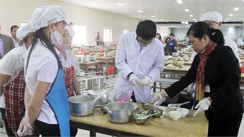 Nhiều mẫu thực phẩm không đạt tiêu chuẩn an toàn