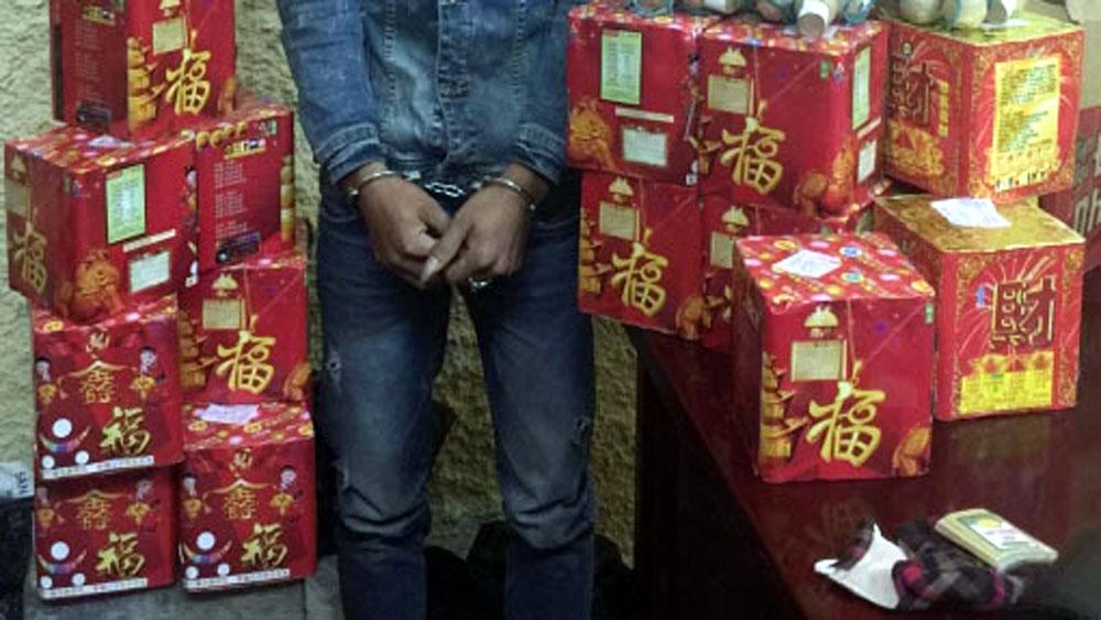Bắc Giang, Bắt hai vụ tàng trữ, vận chuyển,  pháo nổ