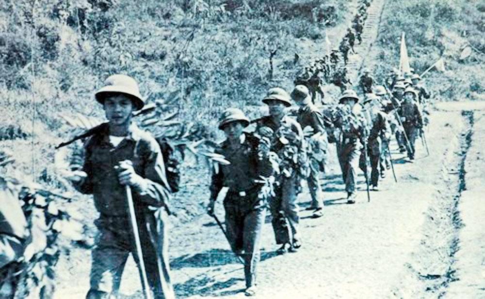 Nhớ ngày Tết,  hành quân, Xuân Mậu Thân 1968,  Tổng tiến công