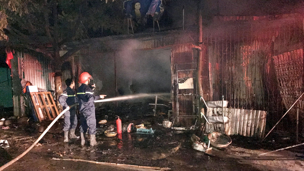 Cháy nhà dân, thiệt hại khoảng 3,5 tỷ đồng