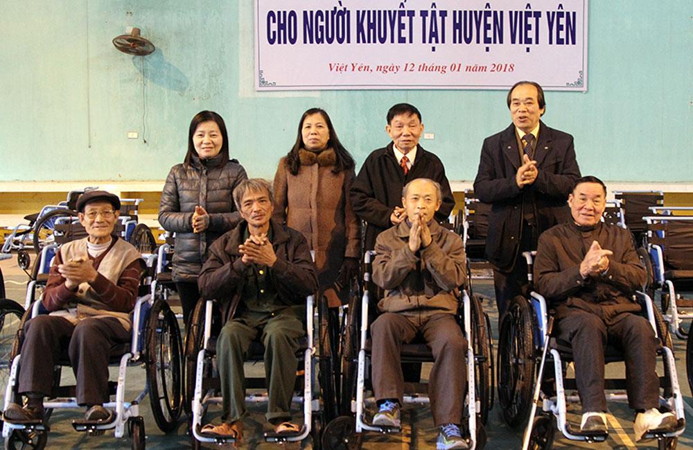 Hội Bảo trợ Người tàn tật, Trao 488 chiếc xe lăn,  miễn phí,  người khuyết tật,  vận động