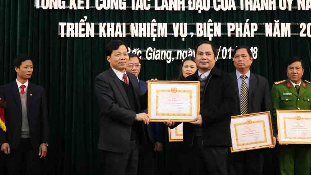 TP Bắc Giang: 87,9% đảng viên hoàn thành tốt nhiệm vụ trở lên