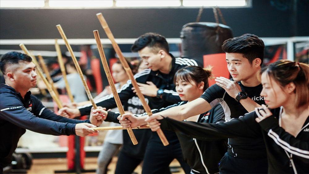 Người trẻ đua nhau học võ gậy Philippines