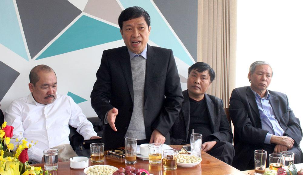 Đại diện DN thảo luận tại buổi gặp mặt.