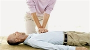 8 bước sơ cứu người bị đột quỵ