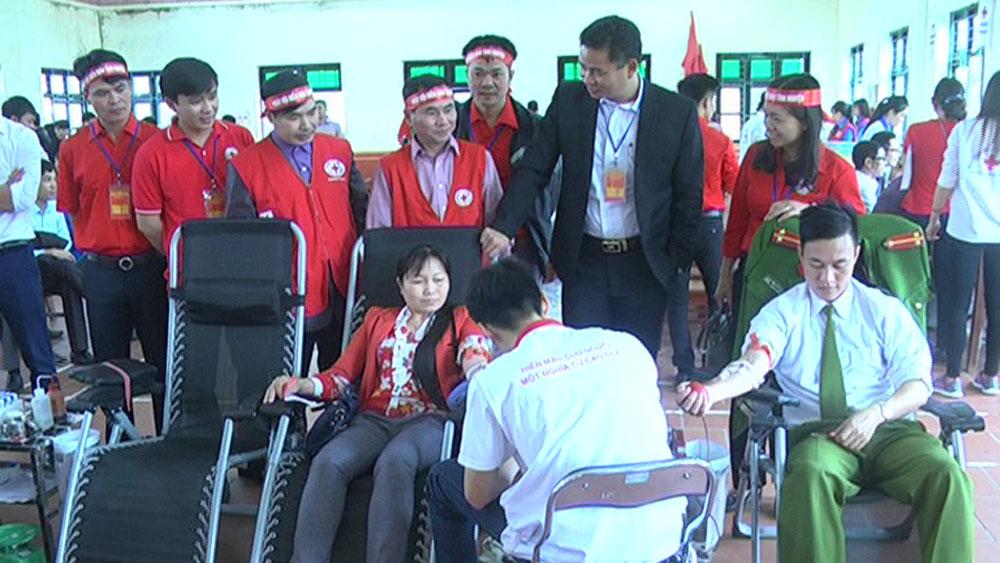 Huyện Yên Dũng phấn đấu vận động, tiếp nhận hơn 600 đơn vị máu
