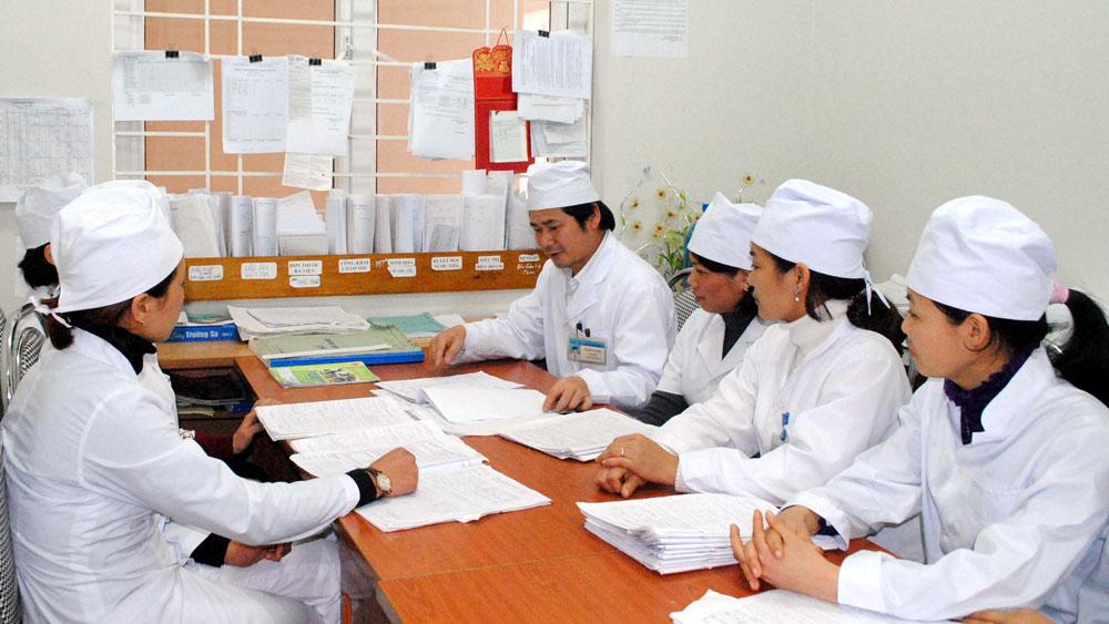 Bồi dưỡng kỹ năng phòng chống bệnh lao cho nhân viên y tế thôn, bản