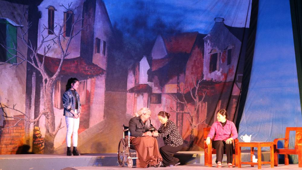 Nhà hát kịch nói Quân đội biểu diễn tại huyện Yên Dũng