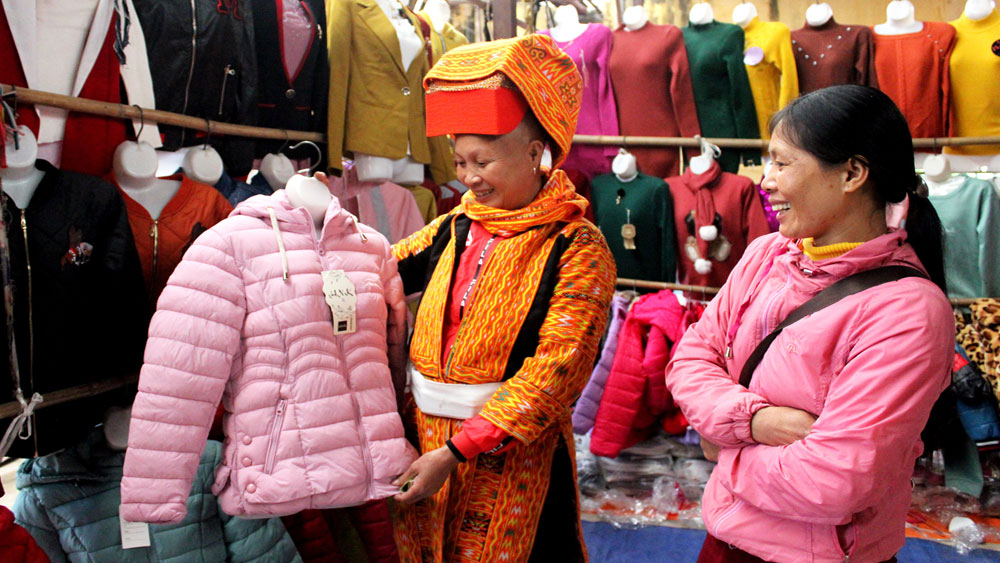 Hàng Việt, vắng bóng, chợ vùng cao