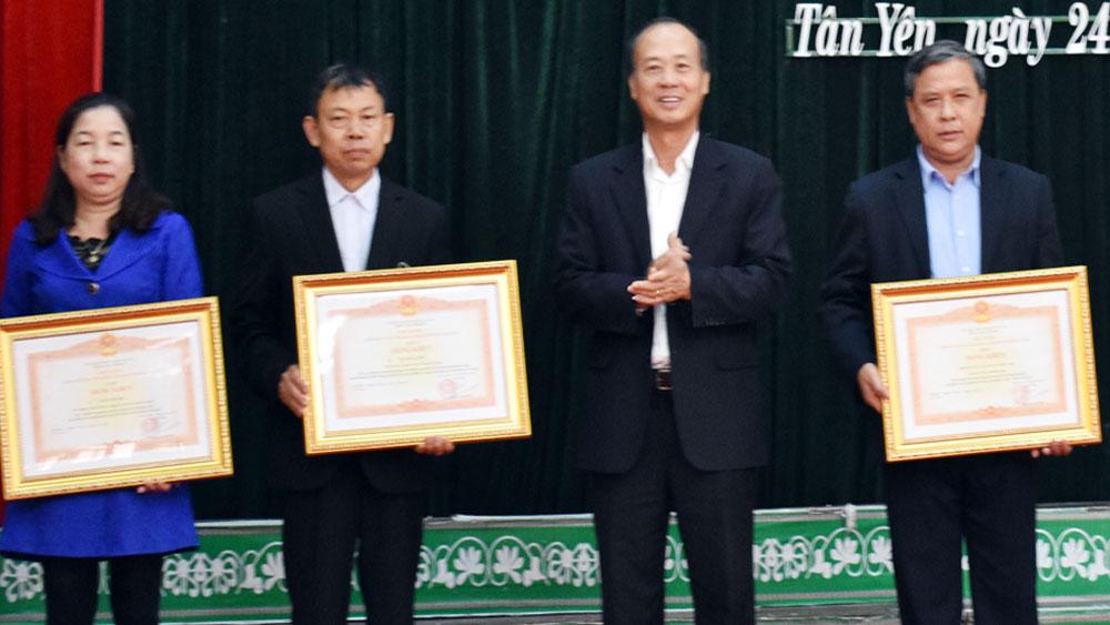 Tân Yên tập trung thực hiện thắng lợi các nhiệm vụ trọng tâm năm 2018