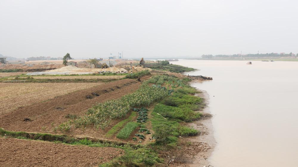 Đề nghị thu hồi một phần diện tích đã cấp phép khai thác cát, sỏi lòng sông Lục Nam